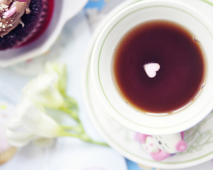 Pastels, tea & cupcakes