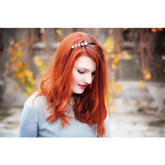 Check out my new post (link on profile) #thehearabouts #redhead #redhair #portrait #fashionblog #fall #fallcolors #autumn #ootd #outfit